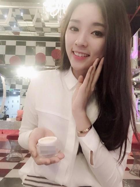 Sao Việt khiến fan giật mình vì khuôn mặt V-line lạ