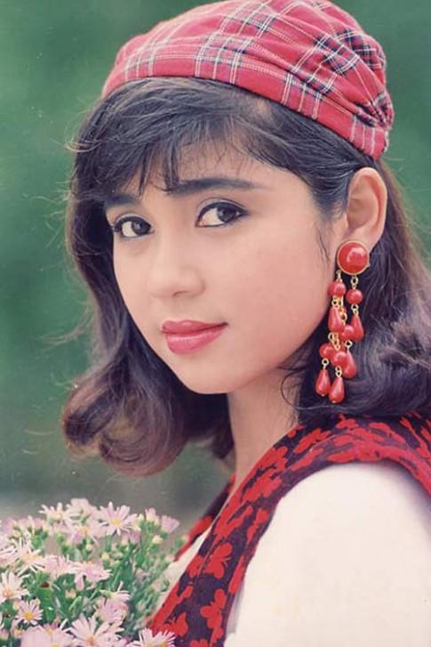 Sao Việt trở lại với thời trang tóc thập niên 90