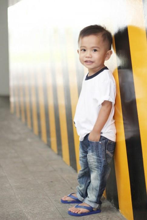 Siêu mẫu nhí: Anh chàng Quốc Khánh chững chạc