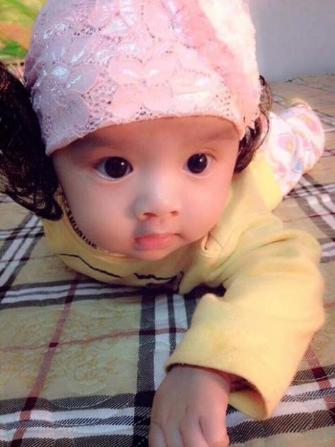 Siêu mẫu nhí: Cô bé mắt đẹp, ngắm là mê