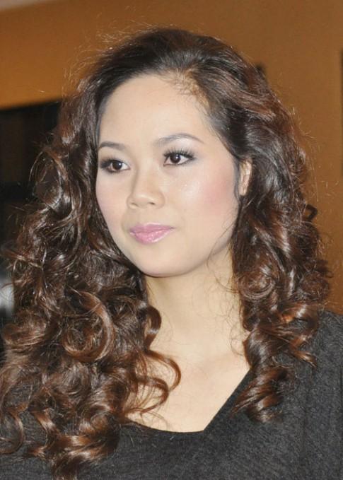 Soi nét xấu của Hoa hậu Việt Nam