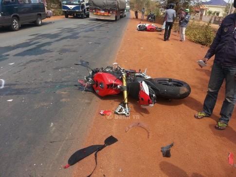 Tai nạn thảm khốc giữa Ducati 1199 Panigale và Ducati 1098