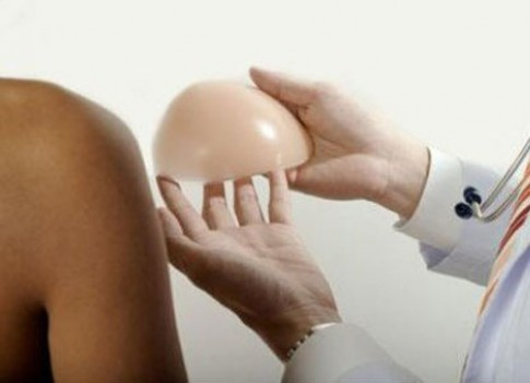 Tâm sự của người phụ nữ tháo độn ngực