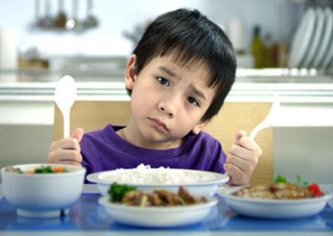 Thà ép ăn hơn để con nhịn đói!