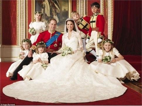 Thăm cung điện của Hoàng tử nhí mới chào đời