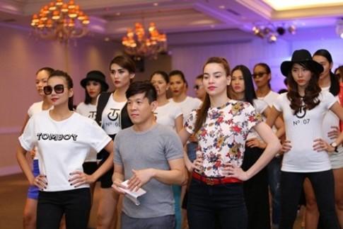 Thanh Hằng - Hà Hồ cùng chỉ đạo catwalk