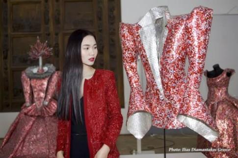 Tống Diệu Hằng sang trọng dự triển lãm tại Nga