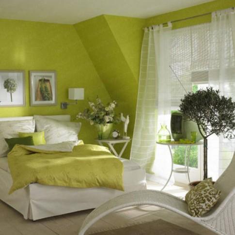 Trang trí phòng ngủ với tường màu xanh lá