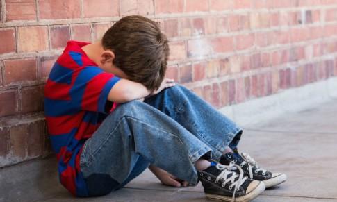 Trẻ ngỗ nghịch là do tâm lý cô độc