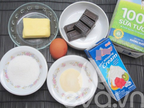 Tự làm mousse sô-cô-la dâu mát lạnh