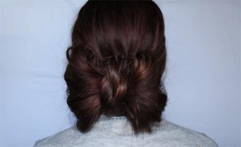 Tự tạo kiểu tóc xoăn đơn giản mà vô cùng đáng yêu