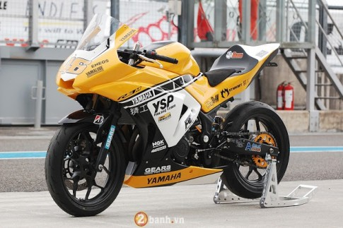 Ve dep hut hon cua Yamaha R3 do theo phong cach xe dua YZR-M1
