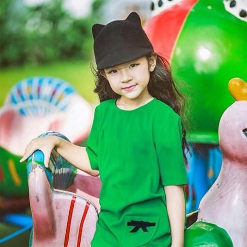"""Vẻ đẹp mẫu nhí 7 tuổi được mệnh danh """"Tiểu Hồ Ngọc Hà"""""""