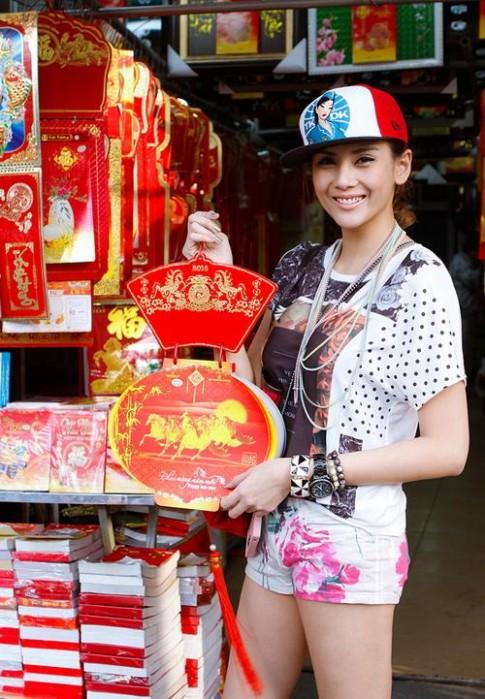 Vo Hoang Yen quan ngan cun ban lich xuan