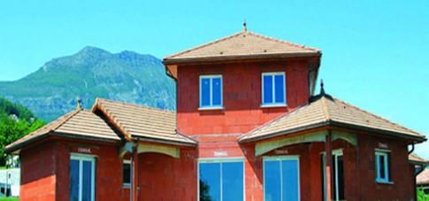 Xây nhà với đất sét nung