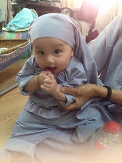 Xót xa những em bé bị bỏ rơi xinh như thiên thần