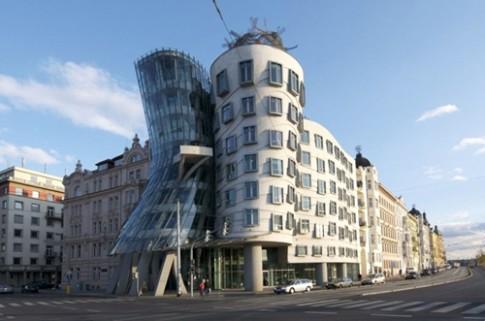10 kiến trúc kỳ lạ thách thức trọng lực