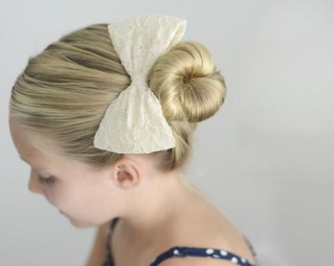 2 kiểu tóc búi cho bé gái 'cute'