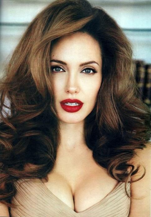 2 màu son 'ruột' của người phụ nữ đẹp nhất thế giới