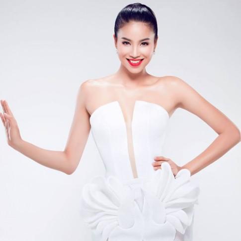 2 màu son tạo nên vẻ đẹp đẳng cấp quốc tế của Phạm Hương