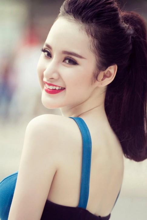 20 khoảnh khắc không thể không yêu của Angela Phương Trinh