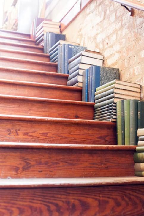 3 cách trang trí cầu thang đẹp mắt