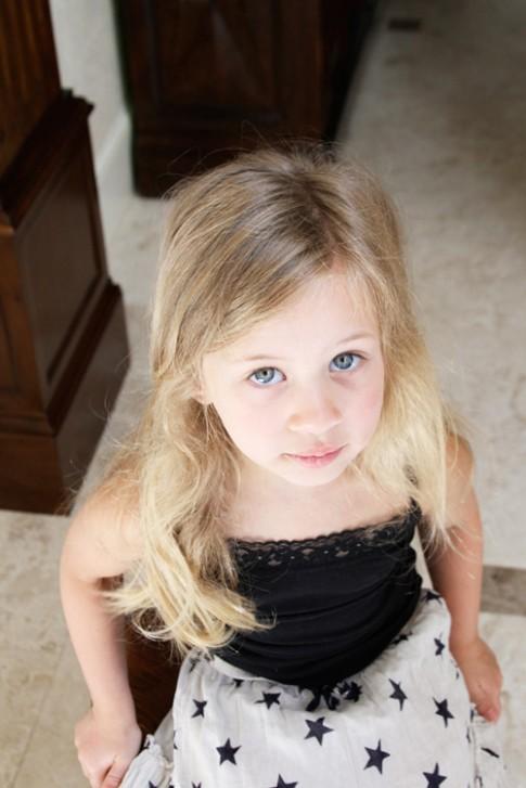 5 phút làm tóc nơ xinh-mát-gọn cho con gái yêu