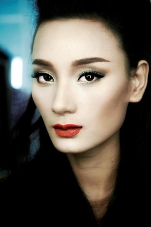 7 gương mặt 'đẹp lạ' làng mẫu Việt