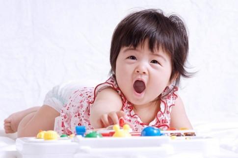 7 trò đơn giản kích thích não bộ trẻ dưới 1 tuổi