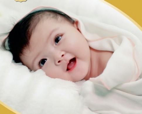 8 dấu hiệu chứng tỏ trẻ sơ sinh khỏe mạnh
