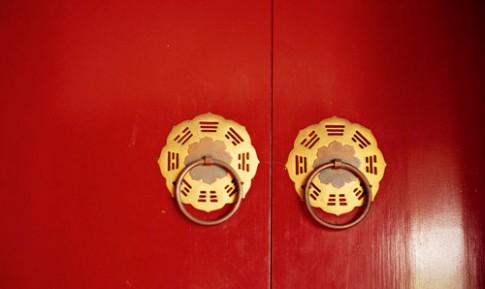 8 lưu ý 'tuyệt đối không' với cửa chính