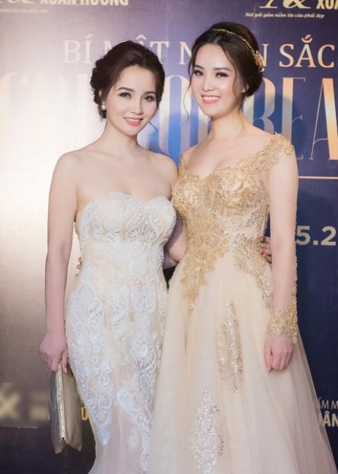 Á hậu Thụy Vân - Mai Thu Huyền như chị em sinh đôi