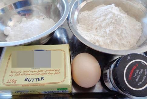Bánh quy bơ đầy màu sắc đón Giáng sinh