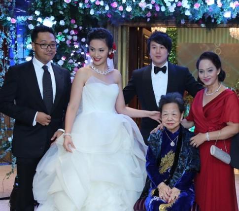 Bao My het loi ca tung khach san cua nha vo Thanh Bui