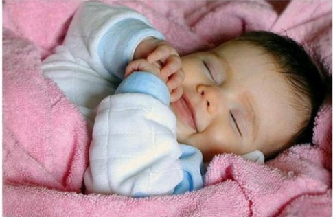 Bắt lỗi sai của mẹ khi cho con ngủ