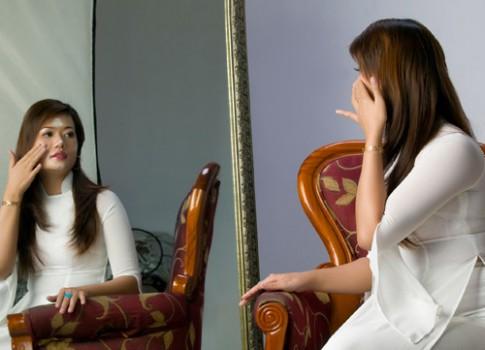 Bất ngờ với bí quyết da đẹp không tì vết từ phụ nữ Huế.