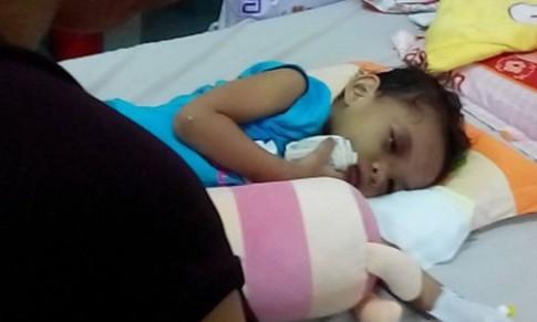 Bé 4 tuổi bị đánh: Có tiền, tình thương lại ngập tràn?