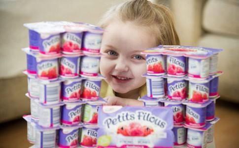 Bé 4 tuổi không ăn gì ngoài 30 hộp sữa chua mỗi ngày