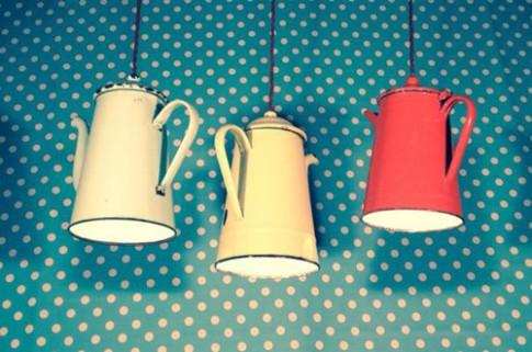 Biến dụng cụ nhà bếp thành đèn treo trần nhà