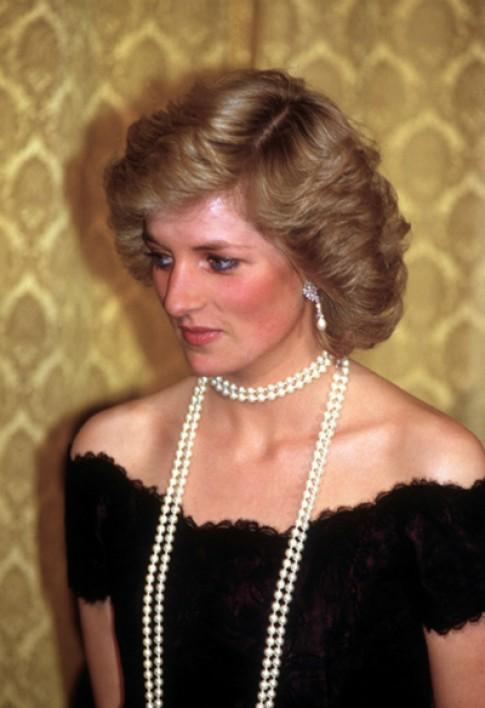 Biến tấu chuỗi ngọc trai linh hoạt như công nương Diana