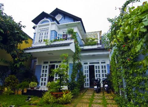 Biệt thự tự thiết kế của nữ luật sư ở Sài Gòn