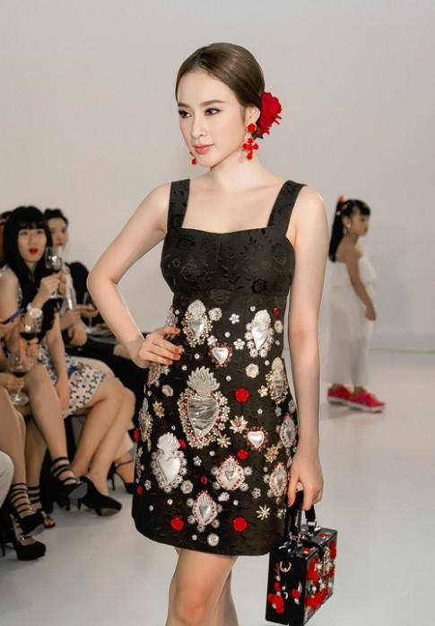 Bóc mác bộ cánh hàng hiệu gây 'sốt' của Angela Phương Trinh