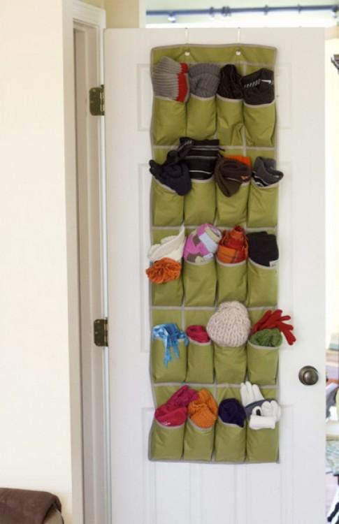 Các cách cất đồ lặt vặt phía sau cánh cửa