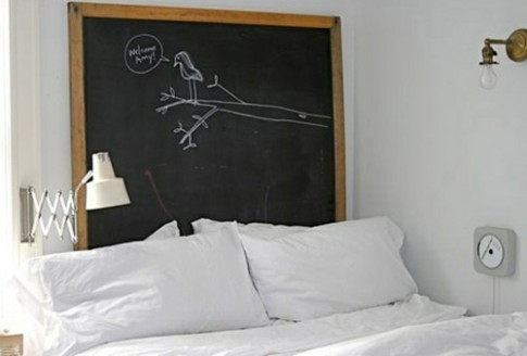 Các cách đơn giản làm mới giường ngủ