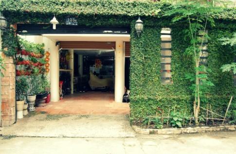 Các cổng nhà lãng mạn giữa Sài Gòn