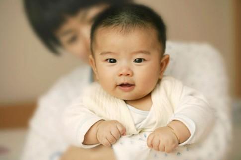 """Cách dạy con thông minh từ thuở """"lọt lòng"""" của mẹ Nhật"""