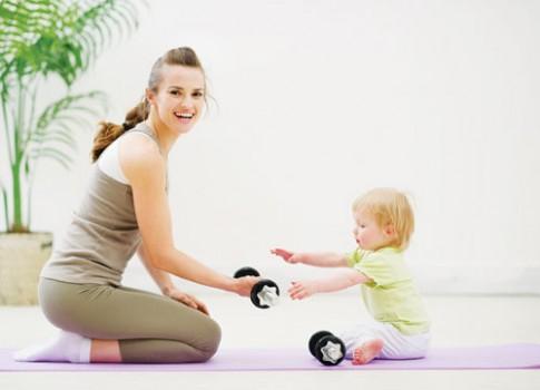 Cách giảm cân không cần tập thể thao cho mẹ sau sinh