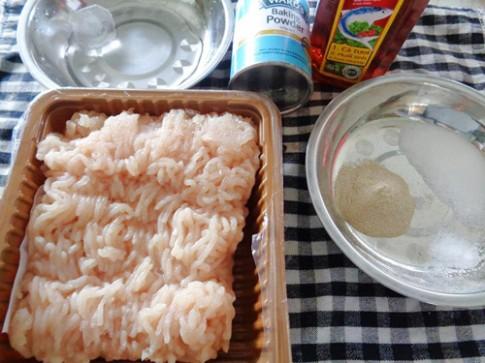 Cách làm giò gà mịn như giò lụa