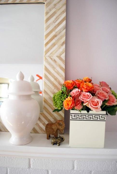 Cắm hoa trong hộp khăn giấy nổi bật