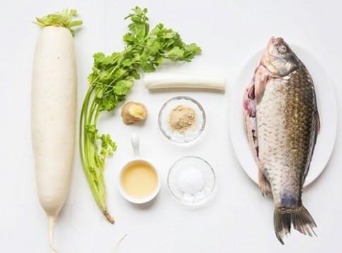 Canh cá củ cải thơm ngon, nóng hổi